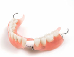zubprotez05 250x195 - Зубные протезы
